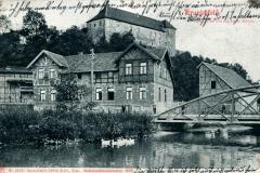 Kranichfeld, Partie an der Ilm mit Nieder-Schloss - Hof-Kunstanstalt Löffler & Co., Greiz